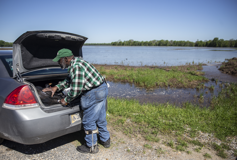 Photo Gallery: Flood victim Anderson Jones Sr  | Mississippi