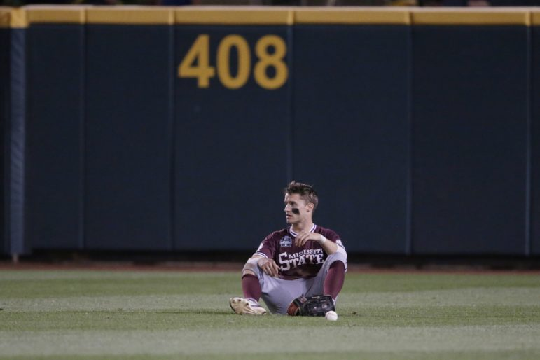 watch 25fa5 f2a4a Nati Harnik   Associated Press. Mississippi State s ...
