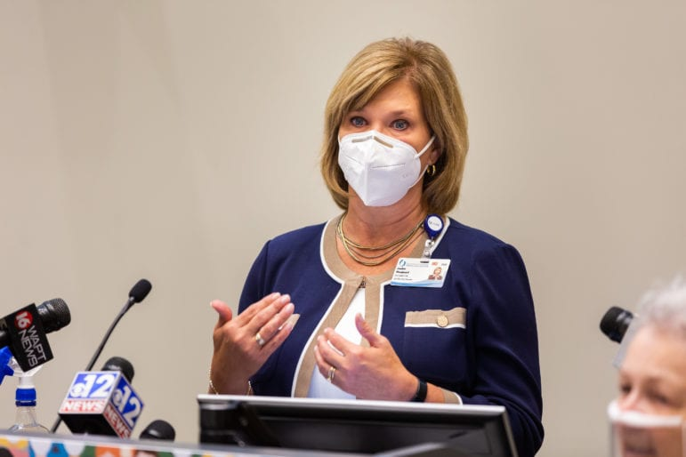 MS governor relents, ordering statewide mask mandate for 2 weeks